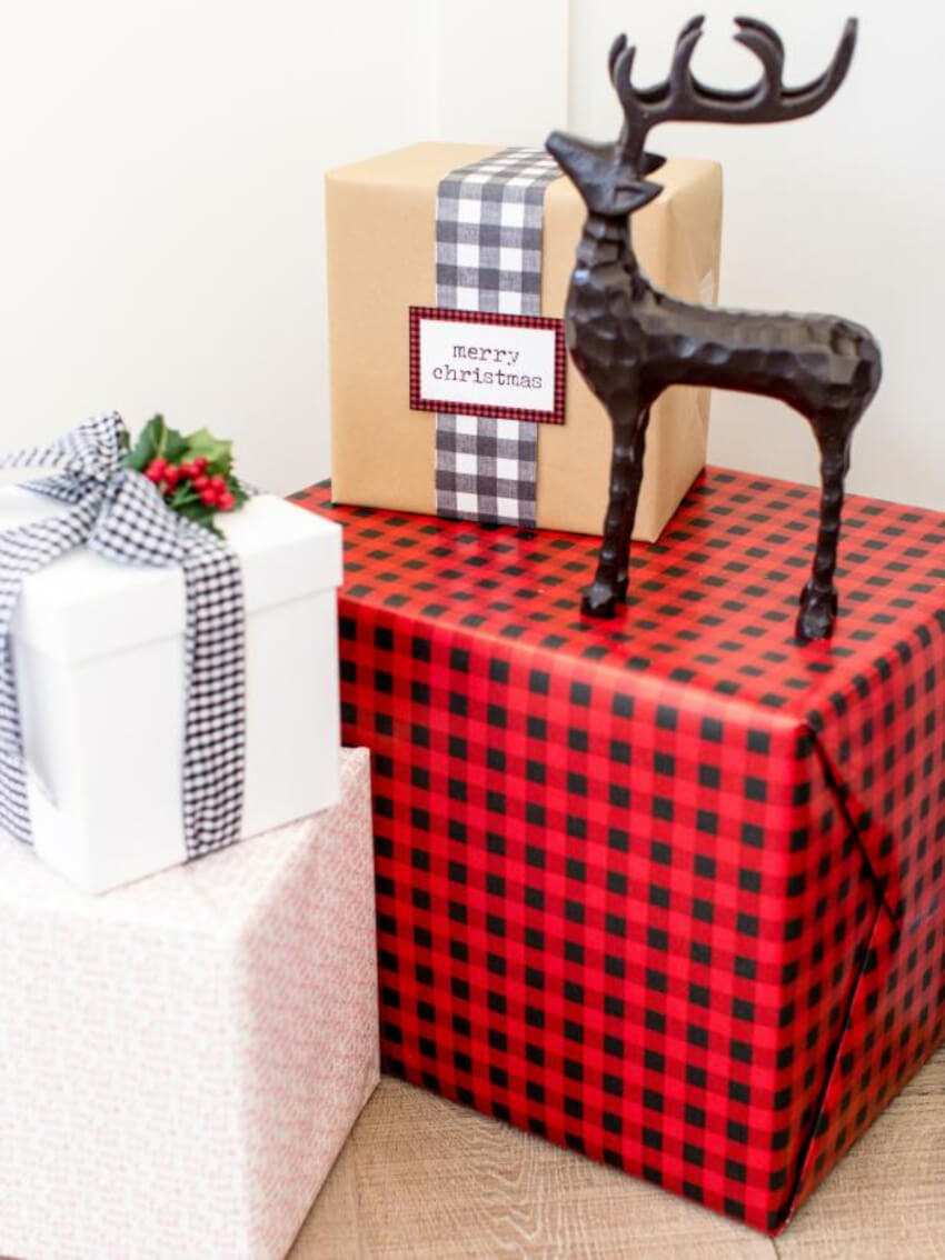 Use your own gift wraps as decoration. Source: Great American Country