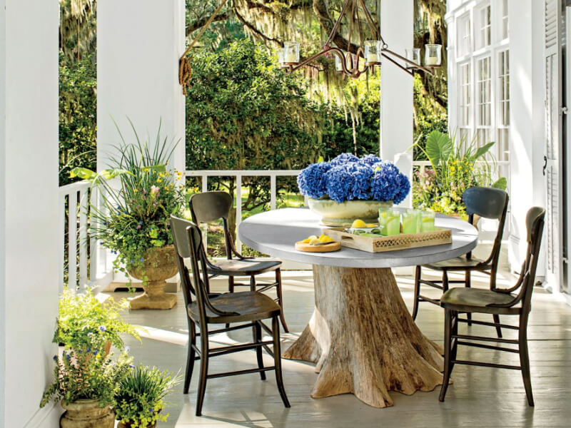 6 Gorgeous Ways To Decorate Your Porch for Summer
