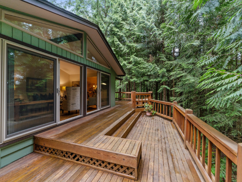 7 Tips For Planning A Deck Addition to Your Home