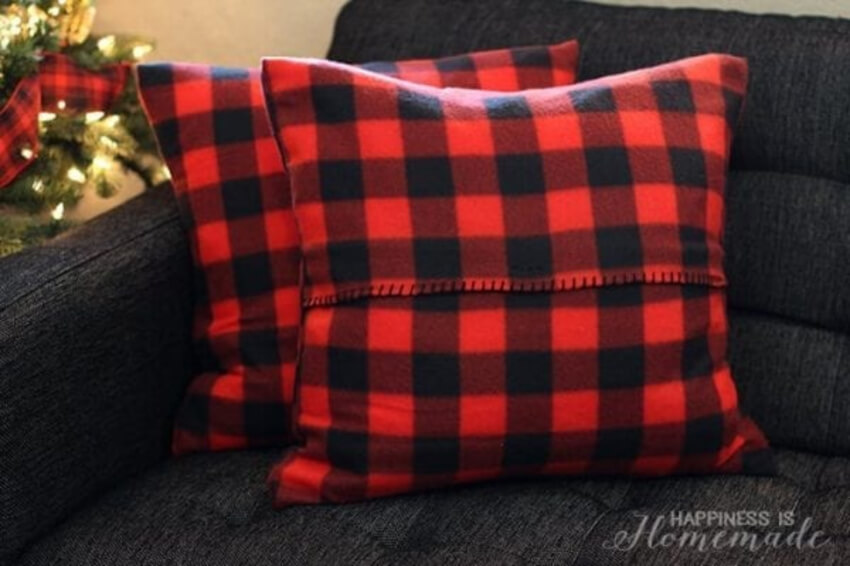 Plaid really brings the visual together. Source: Life Sew Savory
