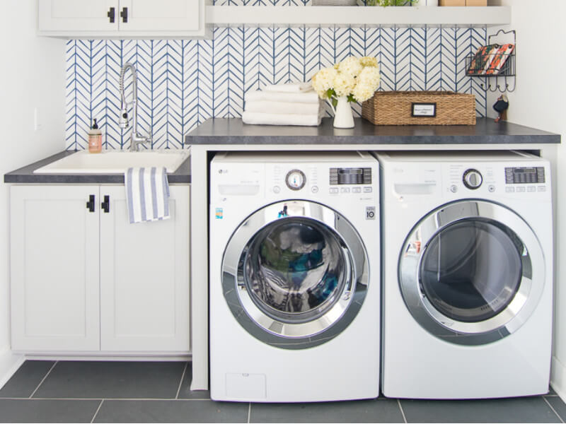 How to Get Rid of the Mouldy Smell in Your Laundry Room