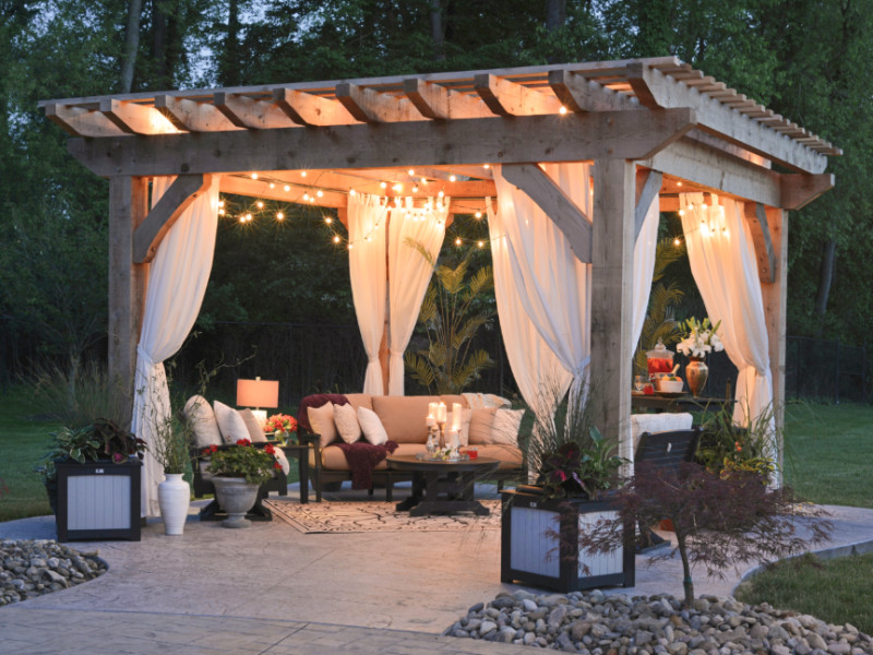 6 Tips To Design A Cozy Outdoors Living Space