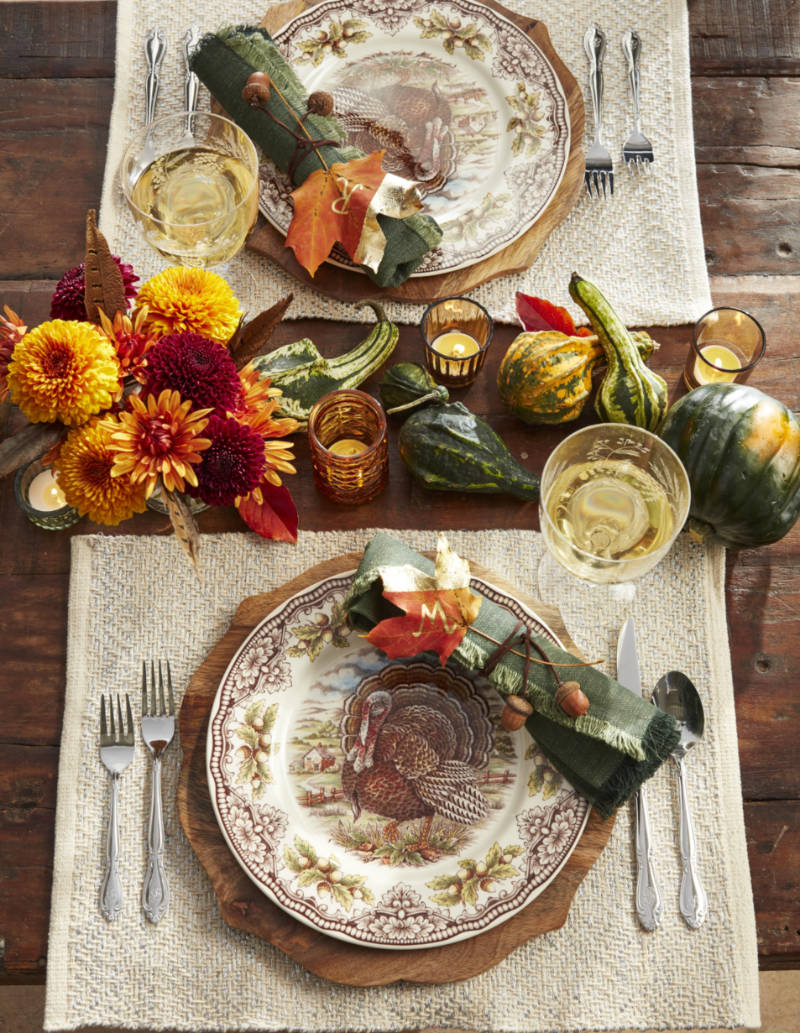 A Fall inspired centerpiece for Thanksgiving. Source: Country Living