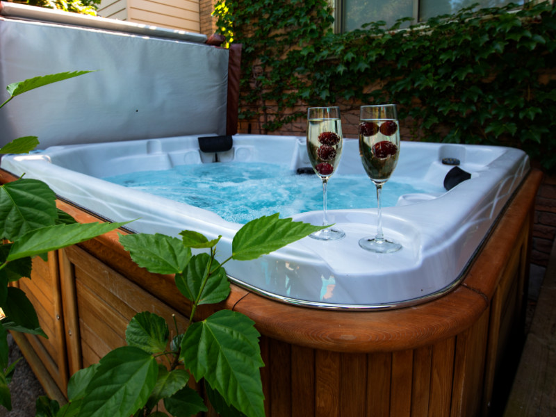 6 Health Benefits of Installing a Hot Tub in Your Home