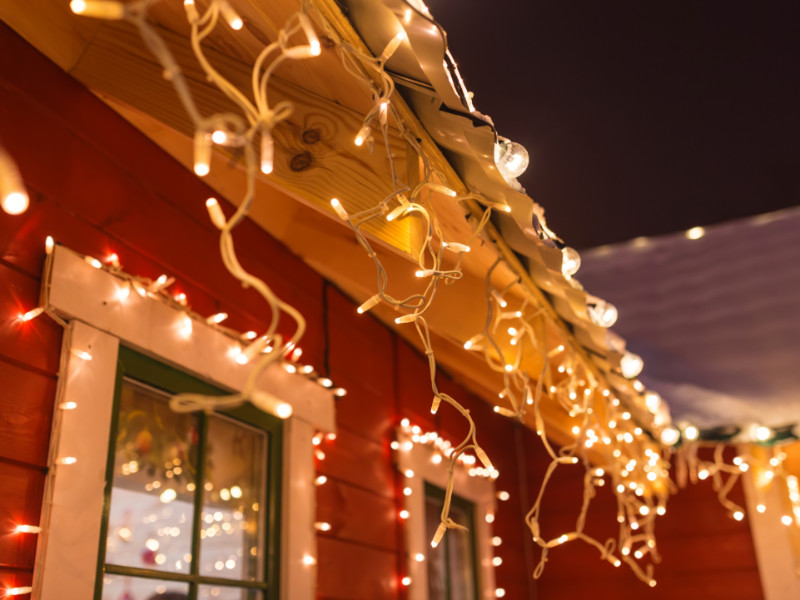 Christmas Lights: How The Pros Do It