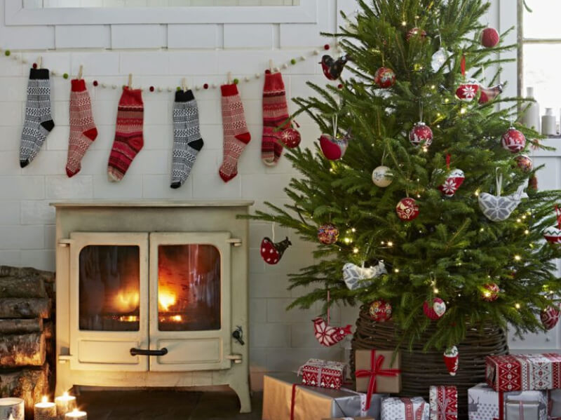 10 Country Christmas Decoration Ideas You Will Love