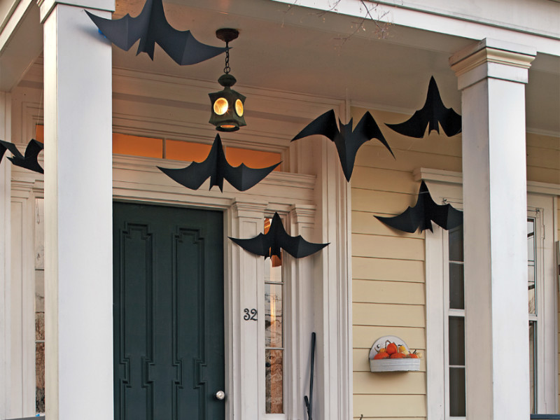 10 Creative Outdoor Halloween Decoration Ideas