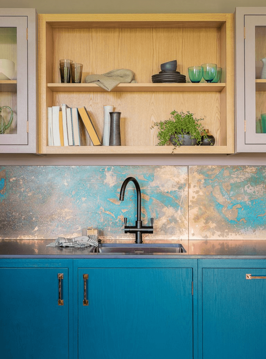 This backsplash is gorgeous and you can make it your weekend project.