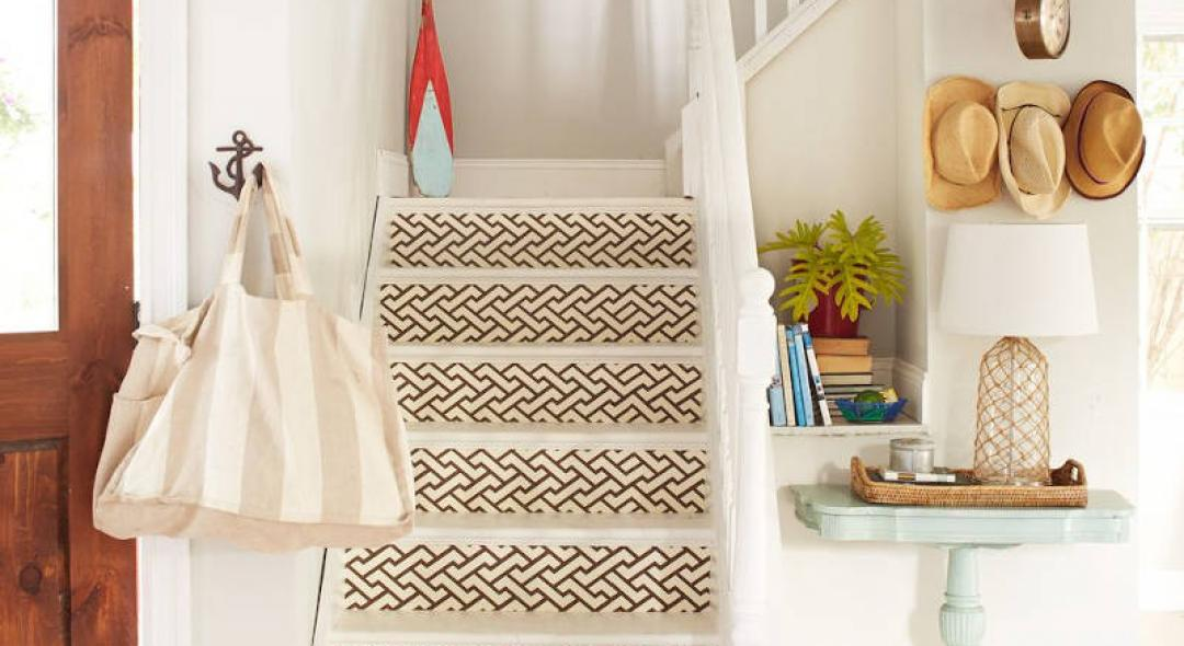 10 Ways To Revamp Your Stairway Without Spending Much