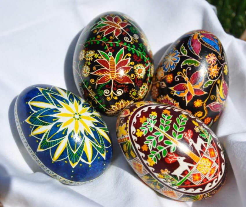 Gorgeous pictures of nature represented in the Pysanka.