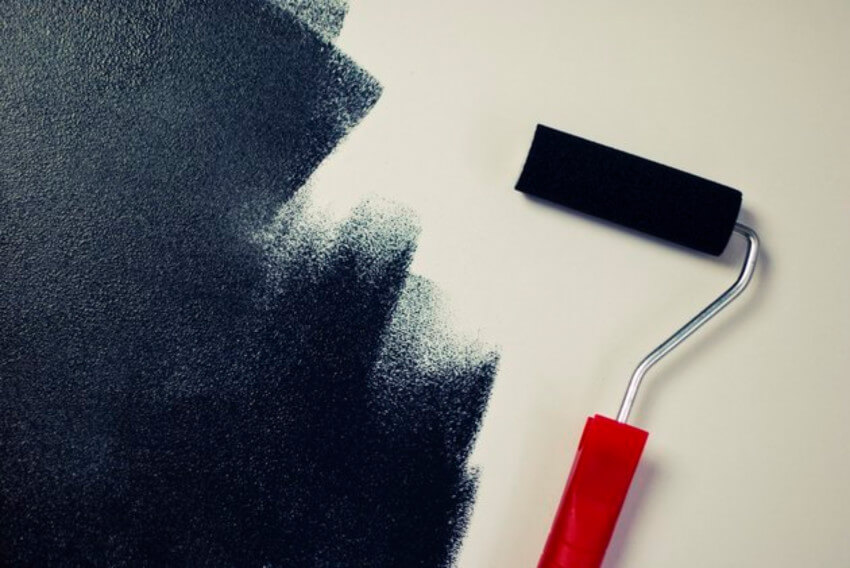 Roller marks are more likely to happen using dark colors.
