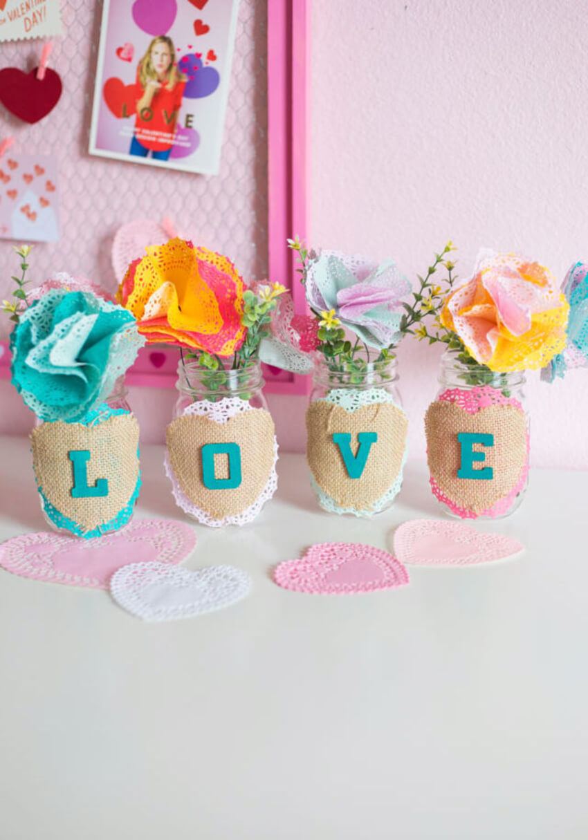 An easy mason jar craft for your Valentine! Source: Design Improvised