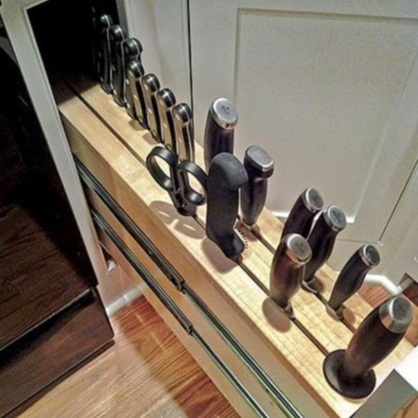 Maximixe your kitchen with a small drawer for your knives.