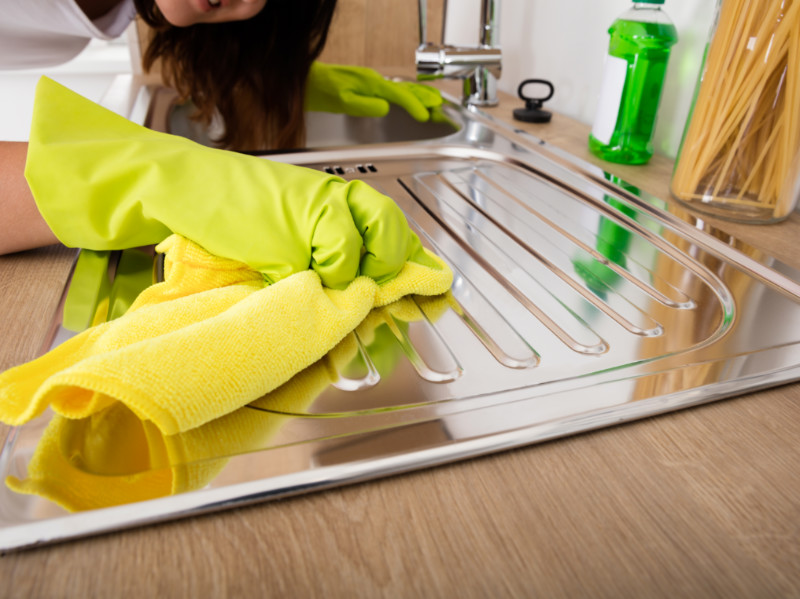 Here's The Best Way to Clean Stainless Steel Surfaces