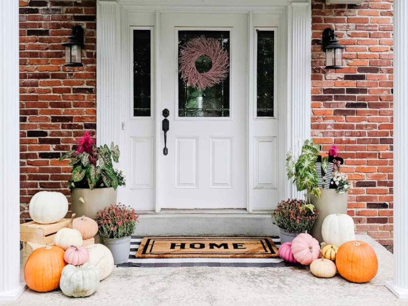 10 Ways To Decorate Your Entryway Just In Time For Fall
