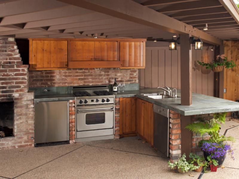 5 Outdoor Kitchen Ideas That Will Rock Your Summer