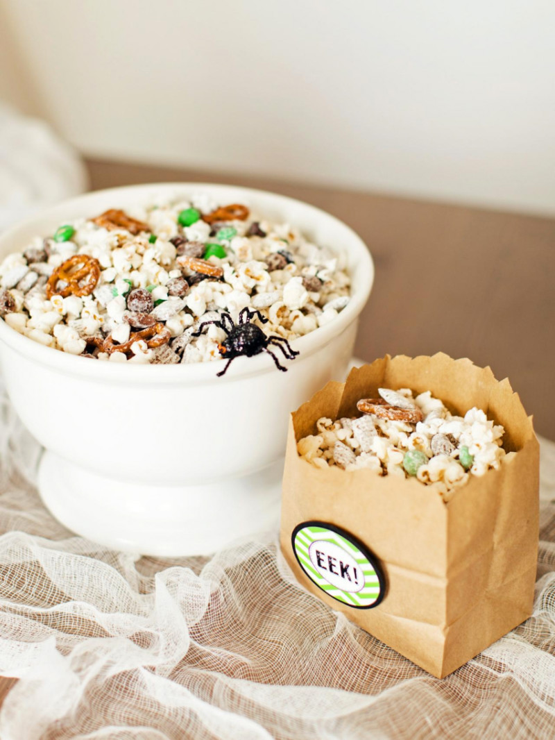 Some sweet and salty popcorn for your Halloween party! Source: HGTV