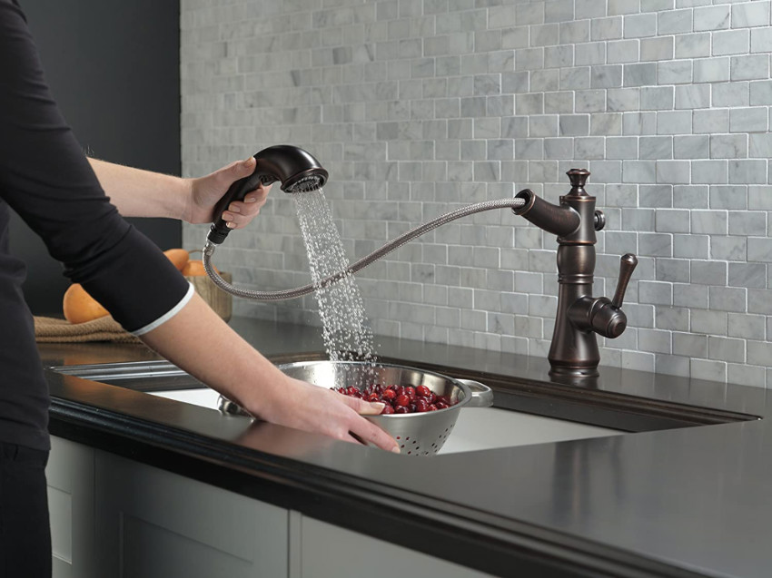 Pull-out faucets offer unmatched versatility. Source: That's Nerdalicious