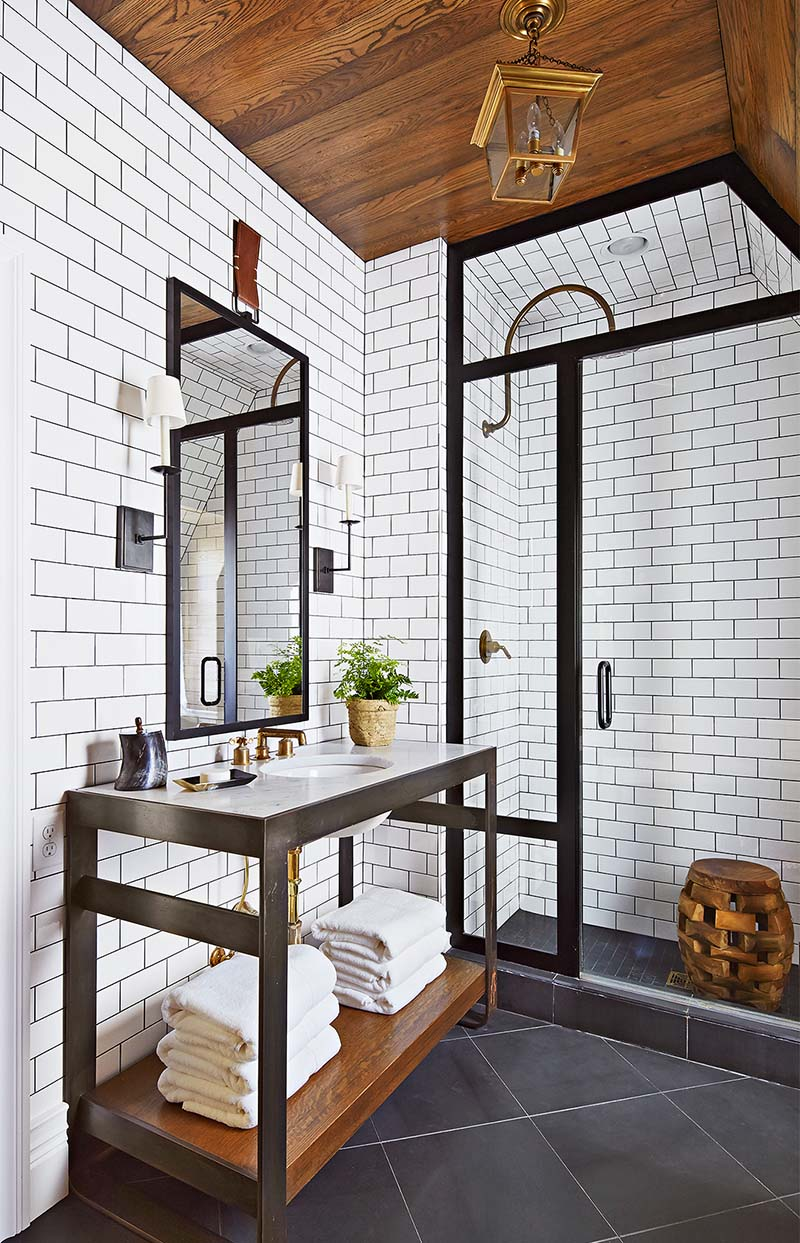 subway tiles with accent