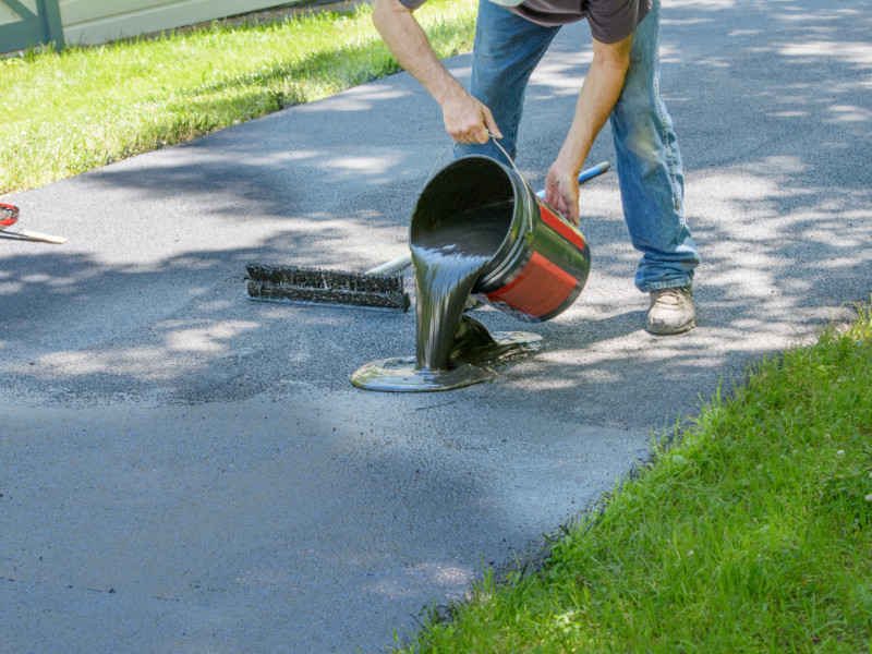 What Is the Difference Between Asphalt and Blacktop?