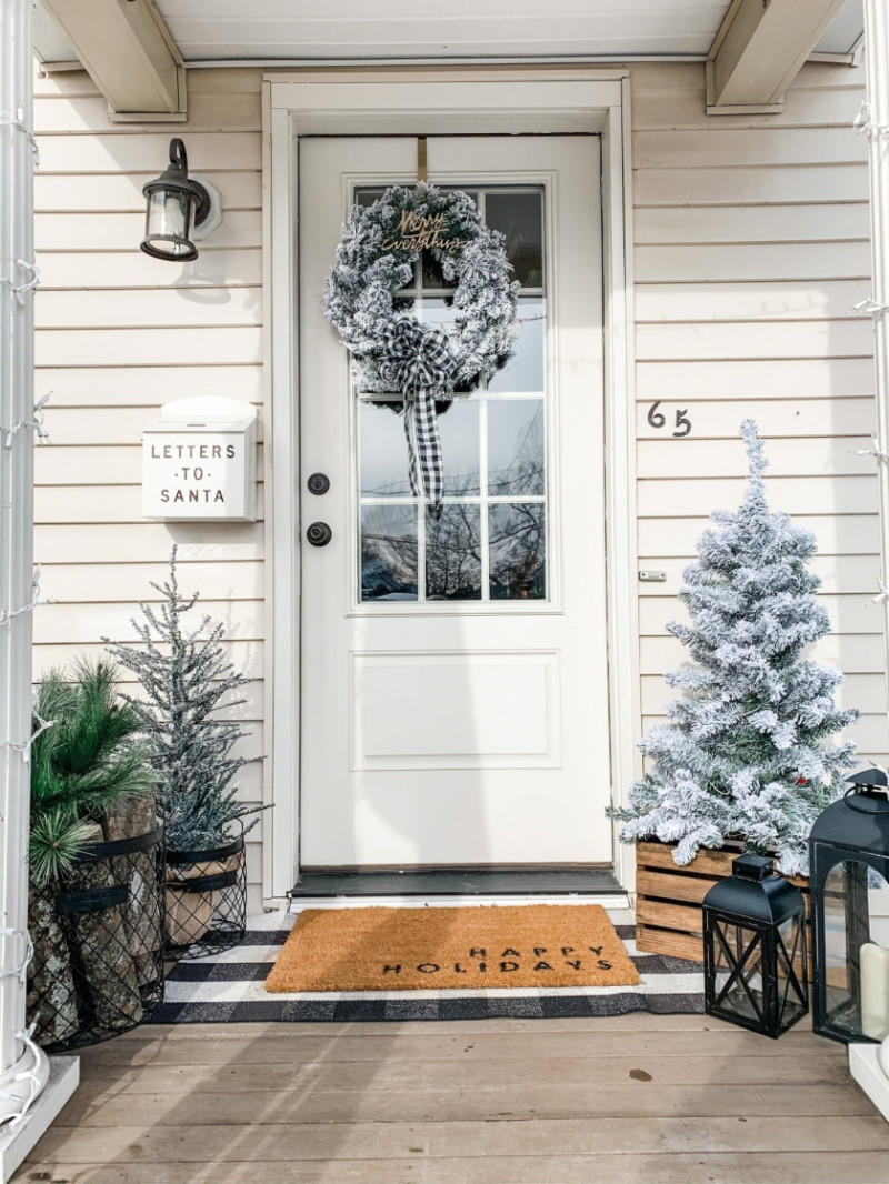 Turn your front porch into a frozen winter scape! Source: Home BNC