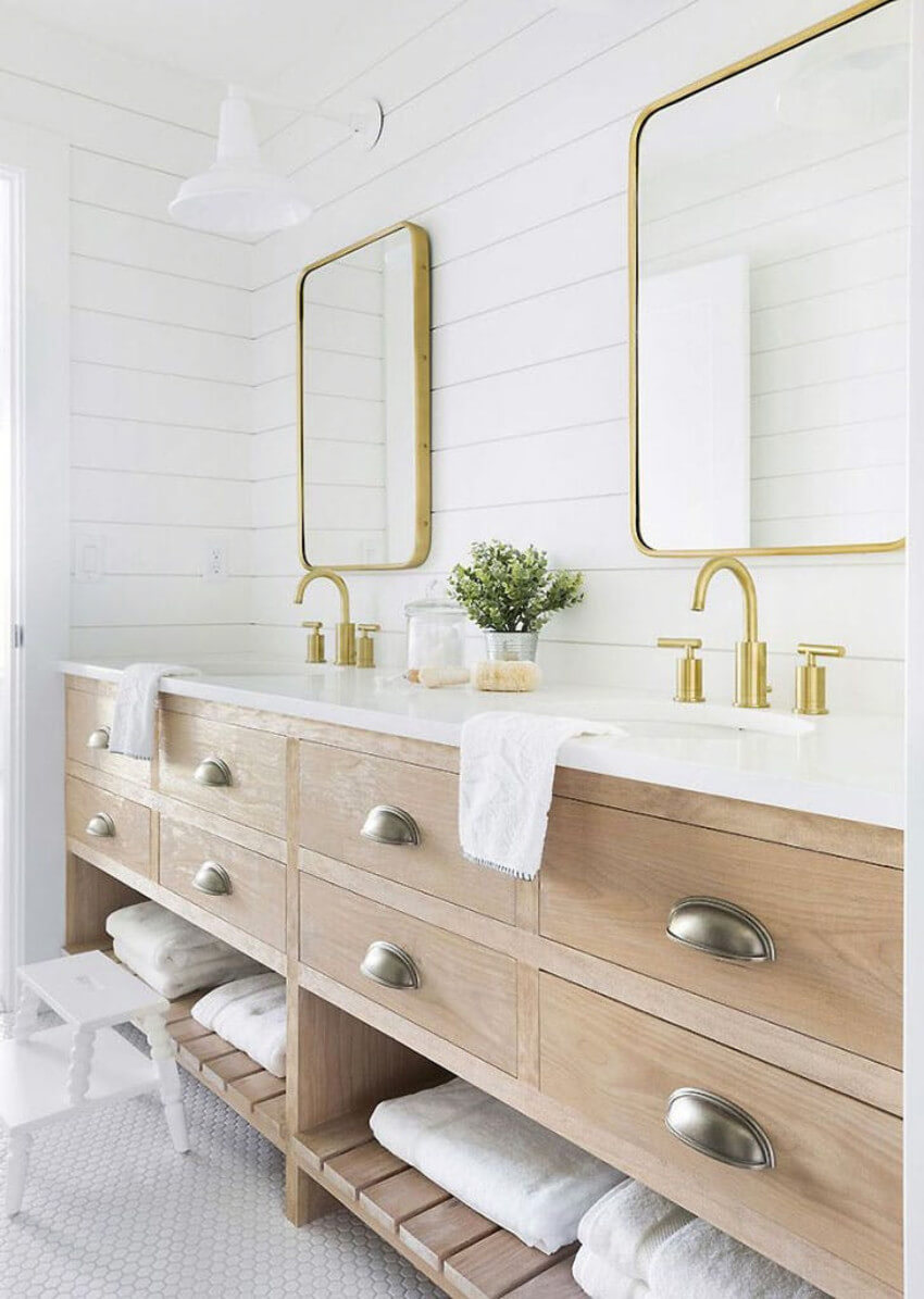 Using brass accents is a huge 2019 trend.