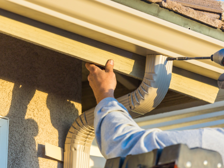 How to Fix Leaking Rain Gutters in 4 Steps