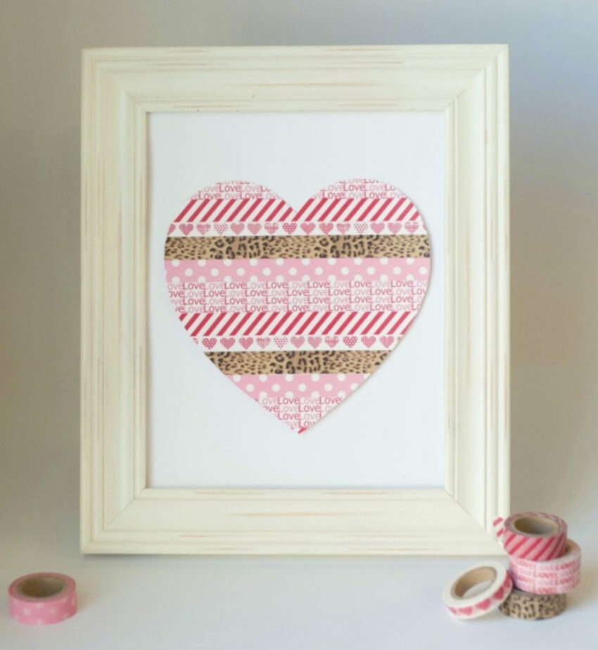 Make this washi tape heart frame by yourself! Source: Carrie Elle